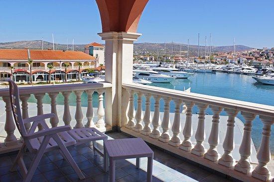 Marina Frapa Resort Rogoznica - Hotel Kopno