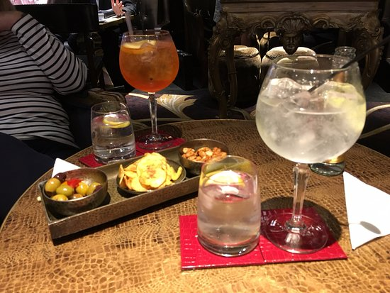 Sofitel London St James: Drinks in the bar