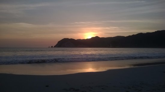 Sunset in Tarimbang beach