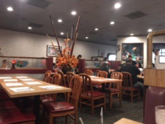 Cerritos, Καλιφόρνια: Dinning room simple but inviting