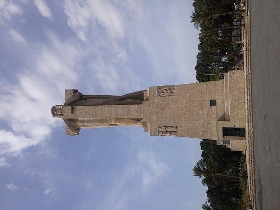 Monumento a Colon : 20170825_173214_large.jpg