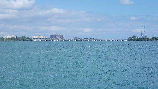 Belle Isle Park: Bridge to Belle Island
