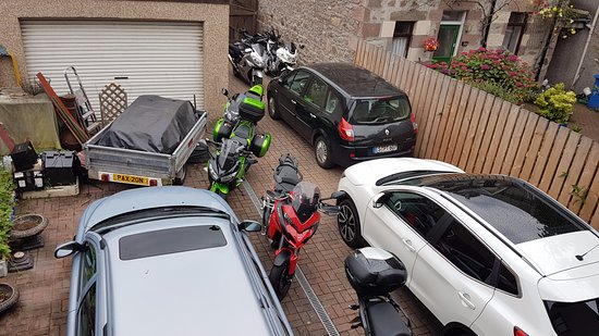 Westbourne Guest House: Off street parking for cars and motorcycles