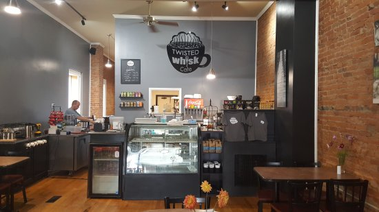 Bluffton, OH: Twisted Whisk Cafe