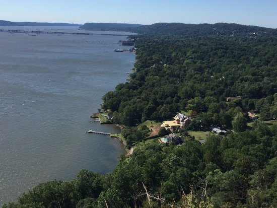 Nyack, NY: Enjoy the views from Hook Mountain Guided Hikes!