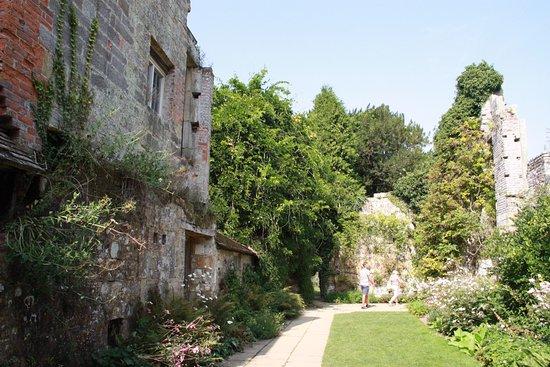 Lamberhurst, UK: Remains of three storey,1630 Indigo Jones period