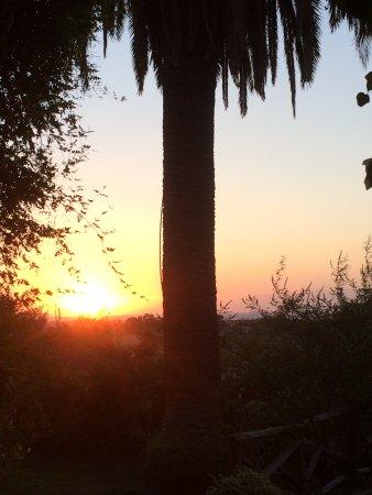 Calatabiano, Italy: lever de soleil sur l'accueil