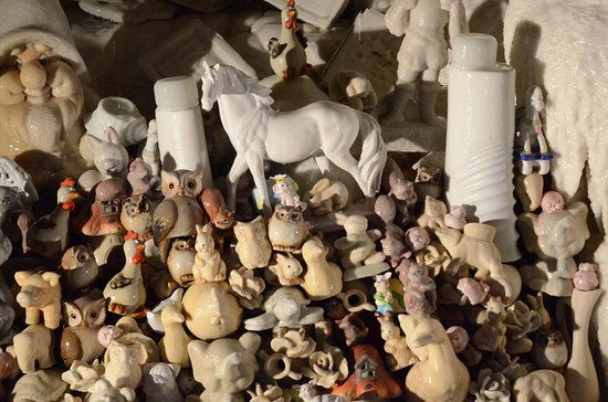 Savonnieres, Frankrike: objets en cours de pétrification
