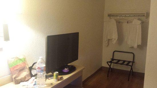 Motel 6 San Ysidro- San Diego- Border: 20170914_112312_large.jpg