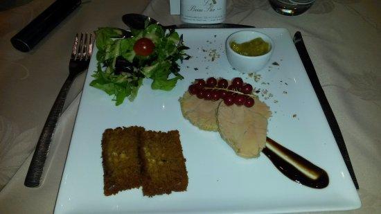 Loubaresse, France : Foie gras de canard mi cuit, chutney du moment et pain d'épice