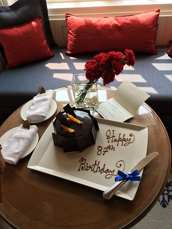 Mohali, Индия: COMPLIMENTARY CAKE