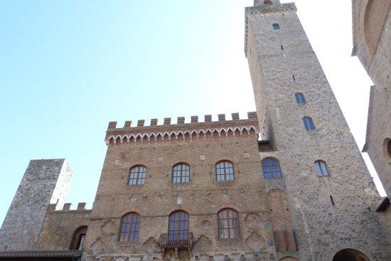 Palazzo Pubblico e Torre Grossa: Vista esterna