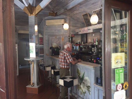 Ferrazzano, Italy: Bar counter