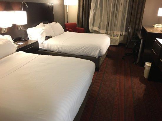 Holiday Inn Express Auburn: photo0.jpg
