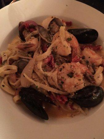 Placerville, Californien: shrimp pasta dish....forgot it's name