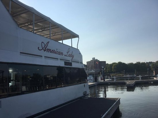 Dubuque, IA: The American Lady at the dock