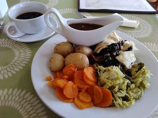 Kirton in Lindsey, UK: Vegan chestnut en croute with vegetables and veggie gravy