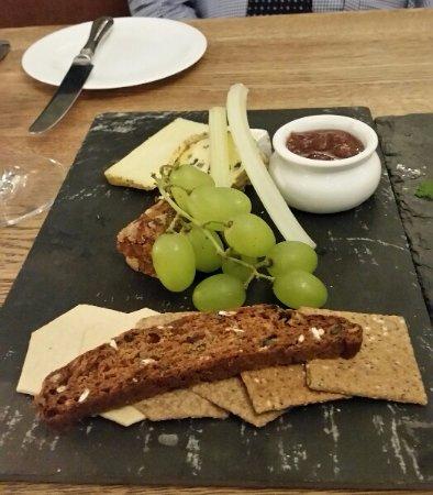 Malvern Wells, UK: Cheese & Biscuits