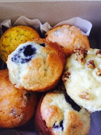 Grand Rivers, KY: Half Dozen Muffin - OMG they are good