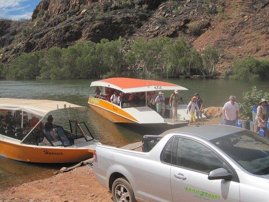 Kununurra, Australia: 2 Boats at Lake Argyle Dam