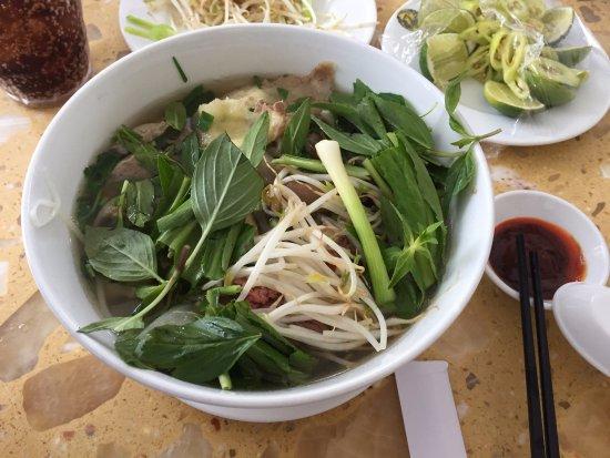 Pho Hung: Beef noodle