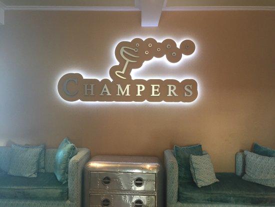 Champers Restaurant: photo0.jpg