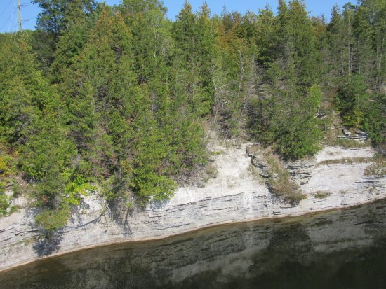Campbellford, كندا: View of Ranney Gorge on east side of Trent River from suspension bridge.