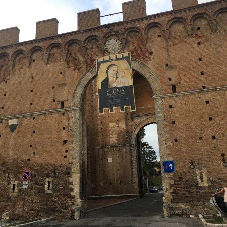 Porta Romana Siena Italien Omd Men Tripadvisor