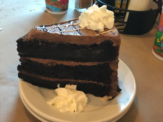 Delaware City, DE: chocolate cake