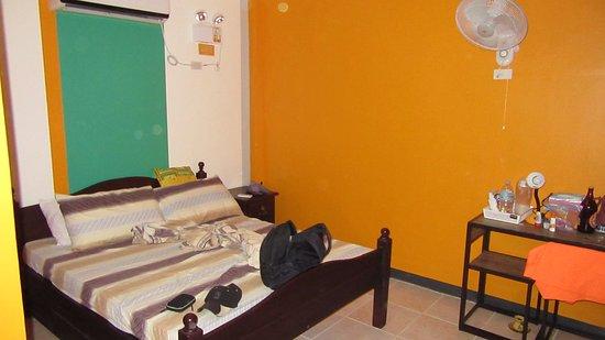 orange room picture of l m hearthstones lodge cebu city rh tripadvisor com