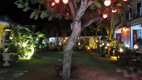 photo0 jpg picture of l m hearthstones lodge cebu city rh tripadvisor com
