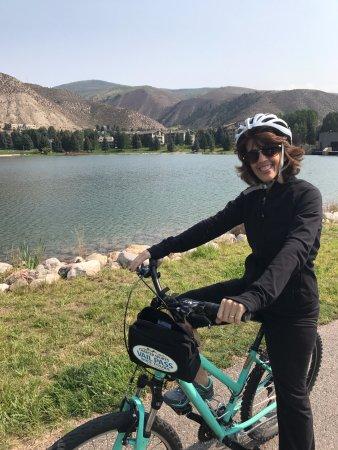 Sheraton Lakeside Terrace Villas at Mountain Vista : Biking around the pond. Beautiful grounds.