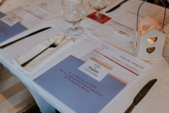 Castleknock, Irlanda: Table set for WIBN business lunch meeting