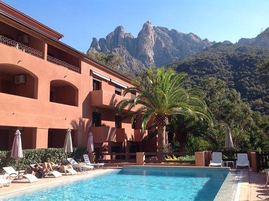 Hôtel Corsica, hôtels à Ota