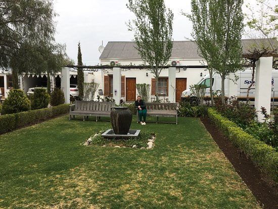 Lovely bnb in Beaufort West. Converted from old stable and dairy and with the most wonderful sta