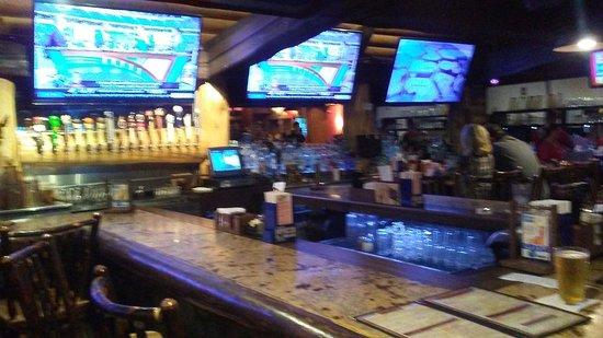Saint Clair Shores, MI: The bar