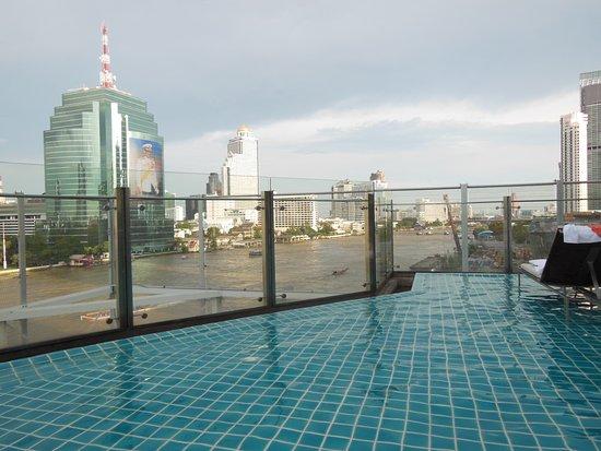 Millennium Hilton Bangkok Photo