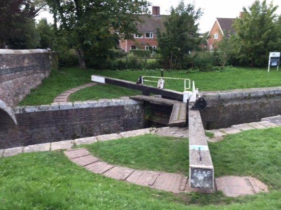 Somerset, UK: Locks, no problem if taken slowly.