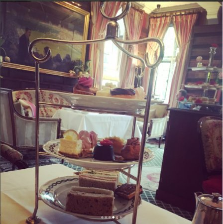 The Milestone Hotel and Residences: Afternoon Tea
