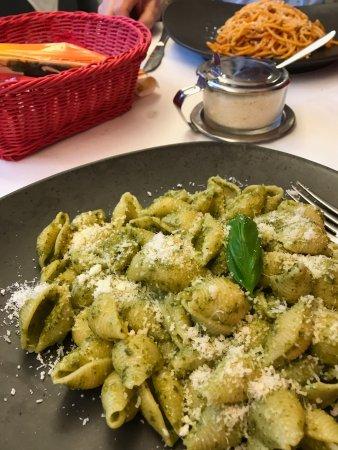 Tessera, Italia: conchiglia alla pesto
