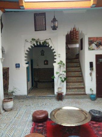 Riad khmisa tetouan maroc voir les tarifs et avis for Chambre 13 film maroc