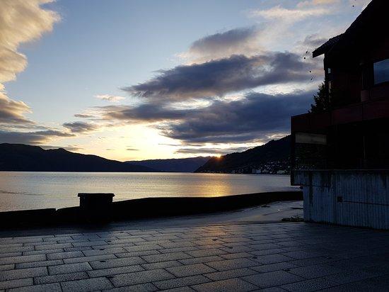 Leikanger, Norvégia: Fjordkroa