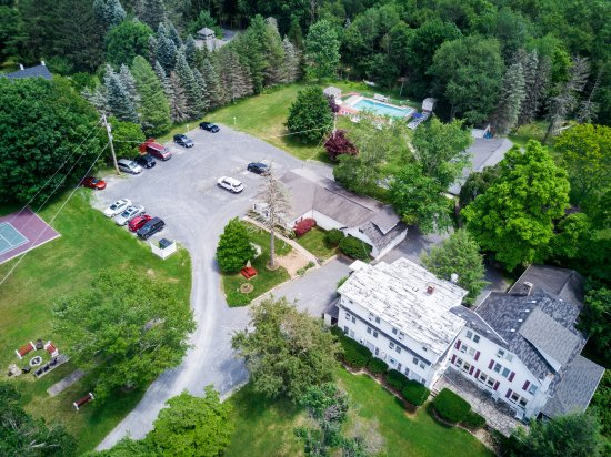 Deerfield Health Retreat and Spa: Ariel View
