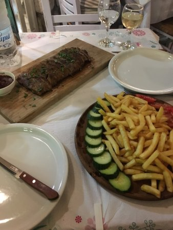 San Allote: It is great being back in the best restaurant in iallyssos !!!