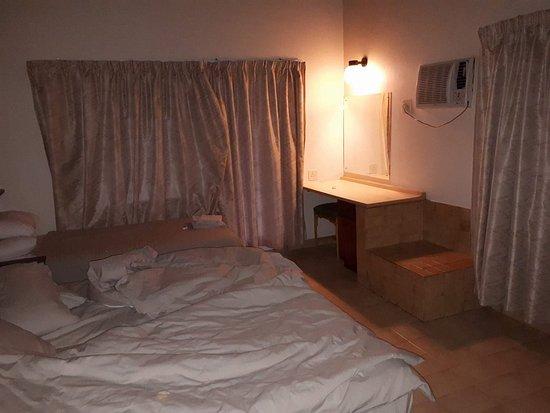 Skukuza Rest Camp: bedroom