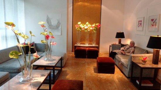 The Mandala Hotel: lobby
