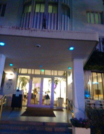 South Seas Hotel: South Seas