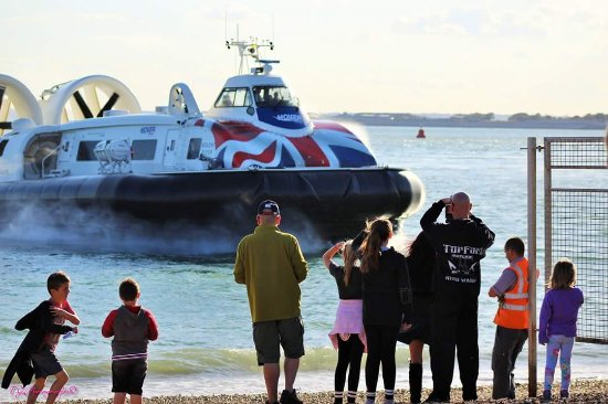 Lee-on-the-Solent, UK: A specoal visit from Hovertravel