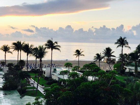 Sunny Isles Beach, FL: Golden Strand Ocean Villa Resort