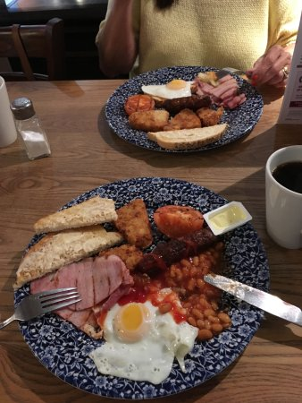 Retford, UK: Traditional Breakfast £3.35 Bargain !